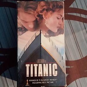 "VHS ""TITANIC"""